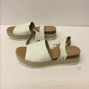 Soda women's platform sandals size 11